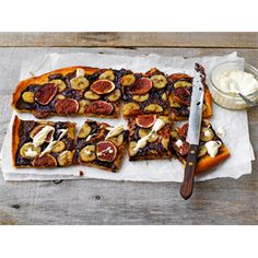 Fig, Banana and Nutella Pizza