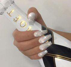 12 unique trending nail art designs for Hot nail right nail now in fashion. Stiletto nails, rainbow almond nails, Ombre rounded nail art designs for summer. White Coffin Nails, Stiletto Nails, Gorgeous Nails, Pretty Nails, Crome Nails, Silver Glitter Nails, Silver Acrylic Nails, Coffin Nails Glitter, Sparkle Nails