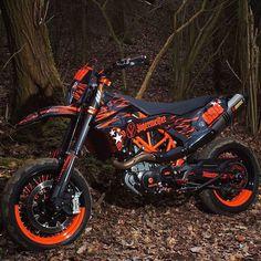 Ktm Dirt Bikes, Cool Dirt Bikes, Motorcycle Dirt Bike, Dirt Biking, Motard Bikes, Ktm Supermoto, Baby Bike, Hot Rides, Dirtbikes