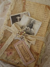 Amazing detailed directions to create a vintage-feel memory mini-album. Frilly and Funkie: Saturday Step by Step: A Shabby Mini Album Altered Books, Altered Art, Mini Albums, Pocket Letter, Vintage Accessoires, Bibel Journal, Craft Projects, Projects To Try, Shabby Chic