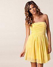 Mimosa Lace Dress - Jeane Blush - Ljus gul - Festklänningar - Kläder - NELLY.COM Mode online på nätet