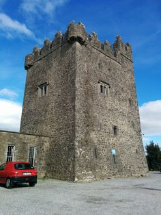See 13 photos and 4 tips from 121 visitors to Tyrrellspass Castle. Medieval Tower, Ireland Map, Towers, Castles, Vacation, Vacations, Tours, Chateaus, Tower