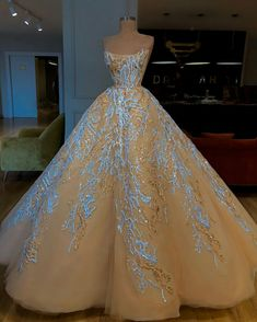 Champagne Lace 2019 African Wedding Dresses Strapless Ball Gown Beaded Bridal Dresses Vintage Stunning Charming Wedding Gowns Plus Wedding Dresses Sal. Plus Wedding Dresses, Gala Dresses, Ball Gown Dresses, Event Dresses, Quinceanera Dresses, Bridal Dresses, Wedding Gowns, Boho Wedding, Ceremony Dresses