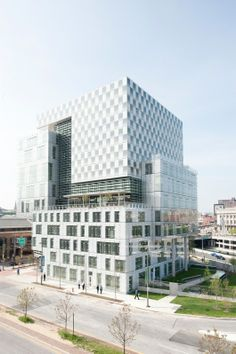 John and Frances Angelos Law Center for the University of Baltimore | Behnisch Architekten; Photo: David Matthiesen | Bustler