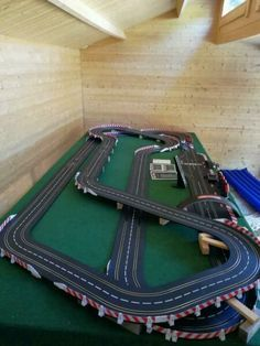 Slot Car Race Track, Slot Car Racing, Slot Car Tracks, Carrera Digital, Carrera Slot Cars, Lego, Courses, Poker Table, Collections