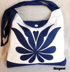 Do it yourself also known as DIY is the method of building modifying or repairing something without the aid of experts or professionals Next Bags, Denim Ideas, Denim Crafts, Handbag Patterns, Art Bag, Denim Bag, Fabric Bags, Beautiful Bags, Handmade Bags