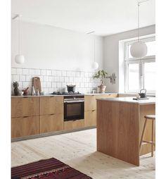 Home Decor Kitchen, Kitchen Furniture, Kitchen Interior, New Kitchen, Home Kitchens, Ikea Kitchens, Kitchen Ideas, Smart Kitchen, Dark Kitchens