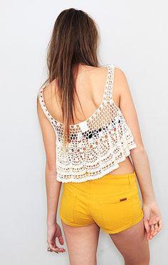 Crinochet: Inspirational Tanks and Tops Bikinis Crochet, Crochet Crop Top, Crochet Cardigan, Finger Crochet, Summer Knitting, Crop Top Bikini, Crochet Woman, Diy Clothing, Crochet Clothes