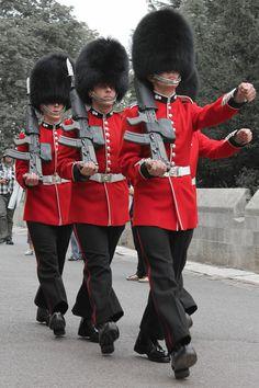 British Army Uniform, Men In Uniform, James Park, Queens Guard, Naval, Royal Guard, Kingdom Of Great Britain, England And Scotland, Windsor Castle