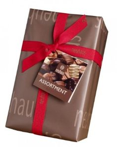 Neuhaus Signature 34pc Ballotin #gift #chocolate #easter Box has 34 pralines (1 lbs)  Irresistible Chocolate assortment  Finest Belgium Chocolate  Beautifully Packaged and ready to be gifte