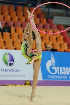 Dina and Arina Averina, Russia; Grand Prix, Moscow 2014 !Happy Birthday to Dina and Arina! #rhythmic_gymnastics