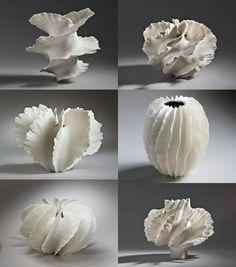 Organic sculptural forms, vessels, inspiration for sculpture Ceramic Clay, Porcelain Ceramics, Ceramic Pottery, Pottery Art, Painted Porcelain, White Porcelain, Hand Painted, Arte Coral, Keramik Design