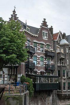 Cafe Oude Sluis & Hiernaast Restaurant Delfshaven ~ Rotterdam, Holland
