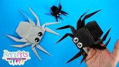 ARAÑA ORIGAMI - DIY - ORIGAMI SPIDER Origami Diy, The Giant Peach, Diy Paper, Halloween Party, Teen Stuff, Diy Projects, Christmas Ornaments, Spiders, Holiday Decor