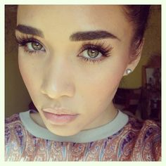 need to do my lashes natural like this & fill in my brows like this but let it have a natural affect like this.