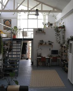 36 Fantastic Art Studio Apartment Design Ideas is part of Living Room Inspiration Plants - It has always been the practice that artists should have their own art studios, and most artists think that it […] Studio Apartment Design, Studio Spaces, Studio Room, Studio Apartments, Loft Spaces, Small Spaces, Loft Studio, White Studio Apartment, Warehouse Apartment