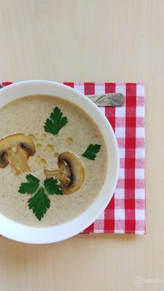 Supă cremă de ciuperci – Rețete LCHF Yami Yami, I Feel Good, Cheeseburger Chowder, Hummus, Thai Red Curry, Meals, Vegan, Ethnic Recipes, Soups