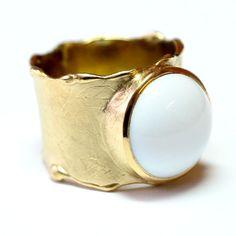 Pierścień z białym agatem - DEKA-JEWELLERY - Pierścionki srebrne