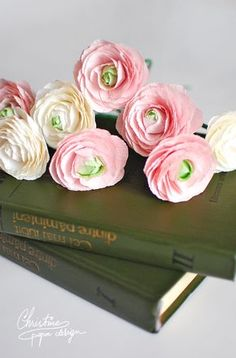 DIY crepe paper flowers, ranunculus.