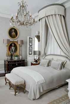 French inspired bedroom decor contemporary french bedroom decor french style master bedroom best ideas about french inspired bedroom on french decorating Beautiful Bedrooms, Beautiful Interiors, French Interiors, Appartment Design, Parisian Chic Style, Decoration Bedroom, Parisian Bedroom Decor, Wall Decor, Suites