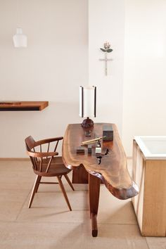 Mjölk presents - The first Nakashima retrospective in Canada. repinned by www.smg-treppen.de #smgtreppen