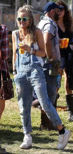 Cressida Bonas / Prince Harry's girl / Scrunchy + Overalls + solo cup