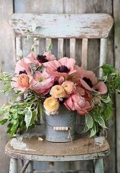 Does anything say Farmhouse Fabulous like a Charming Floral Arrangement? There is nothing like some beautiful blooms put together in a simple yet gorgeous way. You are going to find a collection of Adding a Touch of Spring with Farmhouse Flower Ideas t Deco Floral, Arte Floral, Floral Design, Pretty Flowers, Fresh Flowers, Spring Flowers, Lavender Flowers, Wild Flowers, Beauty Of Flowers
