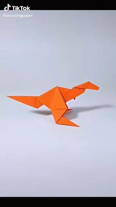 Origami Rocket, Origami Tiger, Origami Fish Easy, Easy Origami Animals, Dinosaur Origami, Instruções Origami, Origami Paper Crane, Origami Videos, Origami And Kirigami