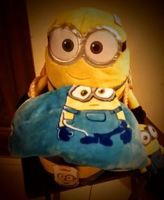 Minions baby gift basket front side