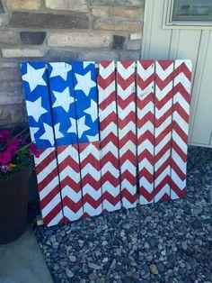 Fourth of July chevron pallet flag