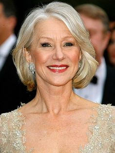 Dame Helen Mirren wearing a red lip for the Red Carpet Oscar Hairstyles, Mom Hairstyles, Wedding Hairstyles, Gorgeous Hairstyles, Fashion Hairstyles, Hair And Makeup Artist, Hair Makeup, Makeup Artists, Eye Makeup