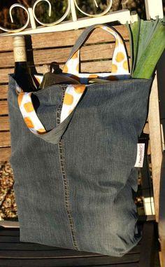 Jeanstasche mit bunter Innenseite
