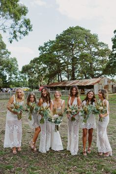 BEST 0F 2017 : BRIDAL PARTIES // #bestof #wedding #bridal #bridalparty #bridesmaids #love #flowers #bouquets #realwedding #realbride #floralinspo #bridalbouquet #love #fun #farm #farmwedding