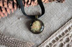Pressed flower necklace glass boho elegant pendant by Miodunka