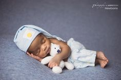 Newborn Mentoring Photographer | 4 Ways to help get your Facebook audience back | Photography by Axsys Design - Newborns