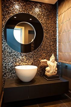 Great #mosaic #tile backsplash! #bathroom #design