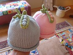 Ravelry: Sweet Pea Hat pattern by Susan B. Knitted Baby Clothes, Baby Hats Knitting, Knitting For Kids, Baby Knitting Patterns, Knitted Hats, Baby Knits, Susan B Anderson, Crochet Baby, Knit Crochet