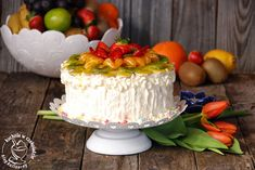kuchnia w czekoladzie: Tort owocowy z limonkowym kremem mascarpone Cake, Desserts, Food, Mascarpone, Tailgate Desserts, Deserts, Kuchen, Essen, Postres