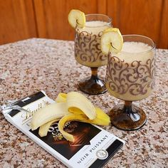 Banana 911Chocolate peanut butter banana smoothie #chocolatebananasmoothie ch......  Banana 911Chocolate peanut butter banana smoothie #chocolatebananasmoothie ch……  Banana 911Choc #911Chocolate #Banana #Butter #chocolatebananasmoothie #Peanut #Smoothie Carrot Smoothie, Protein Smoothie Recipes, Make Ahead Smoothies, Yummy Smoothies, Peanut Butter Banana Chocolate Smoothie, Smoothies With Almond Milk, Amman, Drinks, Alcoholic Beverages