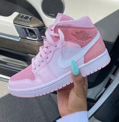 Zapatillas Nike Jordan, Tenis Nike Air, Jordan Tenis, Nike Air Vapormax, Moda Sneakers, Cute Sneakers, Shoes Sneakers, Girls Sneakers, Kd Shoes