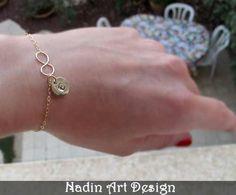 Goldschmuck. Goldarmband mit Initiale-Anhänger von NadinArtDesign auf DaWanda.com