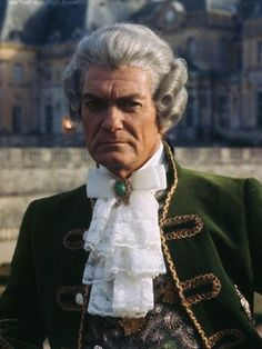 Movie Stars, Ruffle Blouse, Actors, Joseph, France, Queen, Movies, Fashion, Actresses
