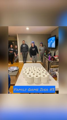Family Party Games, Youth Group Games, Fun Party Games, Activities For Youth, Funny Games For Groups, Indoor Party Games, Family Reunion Games, Sleepover Activities, Team Games