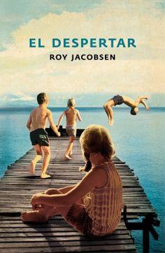 """Con un sin fin de referencias a lugares, objetos y situaciones presentes en el día a día de cualquier noruego, """"El despertar"""" nos cuenta una historia conmovedora sobre las relaciones familiares, la amistad y las penas y alegrías de Finn en la Noruega de los años sesenta."""