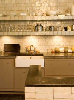 Lovely idea for a kitchen Moroccan Tiles, Country Kitchen, Interior Decorating, Kitchen Cabinets, House Ideas, Furniture, Decoration, Color, Home Decor