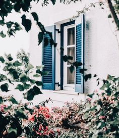home design exterior. the shutters are such a beautiful jewel tone. Exterior Paint, Exterior Design, Interior And Exterior, Studio Decor, Beautiful Homes, Beautiful Places, Blue Shutters, Window Shutters, Architecture