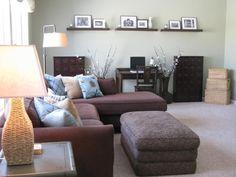 Aquí te traemos algunos hermosos diseños de salas decoradas con sofás en forma de L, un diseño de sofás que traerá a tu espacio algunas ventajas y además igualmente conseguir un espacio cómodo y ll…