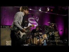 Ryan Adams - Crossed Out Name (AOL Sessions) (+playlist)reminds me of my high school music...even though this is one his few rock type songs...he still has a steel guitar...lol