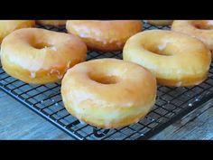 Donuts Tumblr, Peppermint Ice Cream, Soft Gingerbread Cookies, Healthy Donuts, Pan Dulce, Takoyaki, Tricks, Breakfast Recipes, Bakery