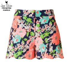 Bermuda Bound Shorts by Jane Divine Boutique www.janedivine.com #springfashion #summerfashion #springshorts #summershorts #scallopshorts #floralshorts #highwaistshorts